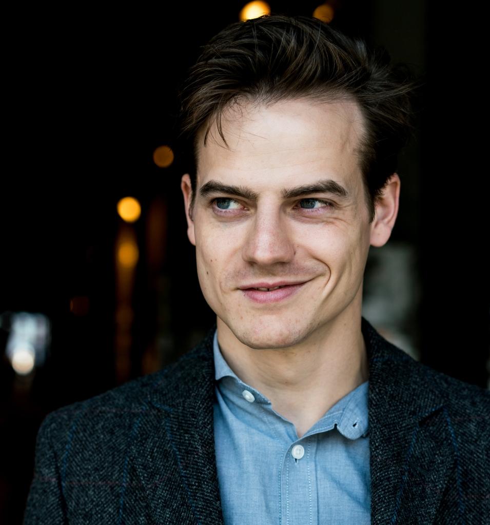 Ian Thomas McMillan - Schauspieler - Lächeln